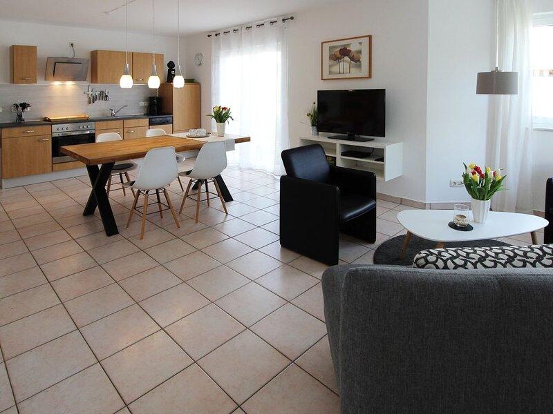 Ferienwohnung (75qm) mit 2 Schlafzimmern, Wohnküche und Südterrasse, alquiler de vacaciones en Rottenbach