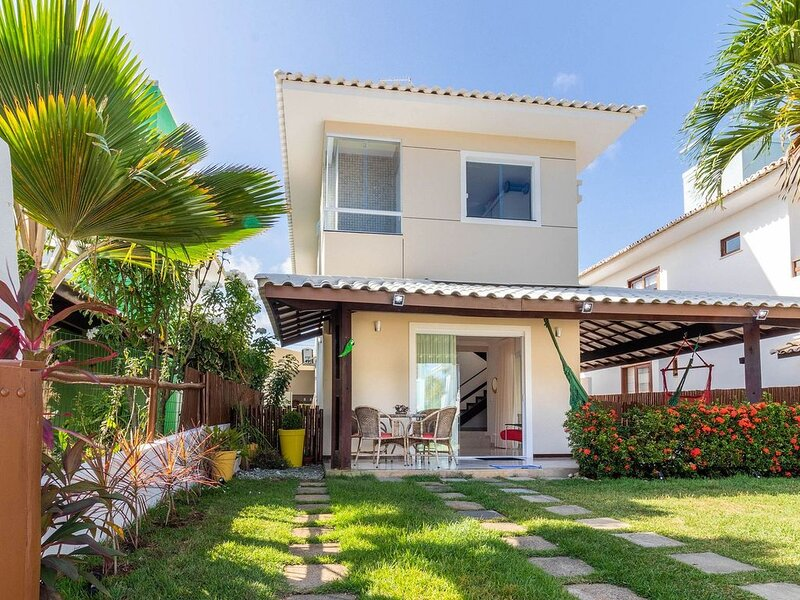 GB07 Ótima Casa 4 Suítes em Guarajuba com Piscina, location de vacances à Jenipabu