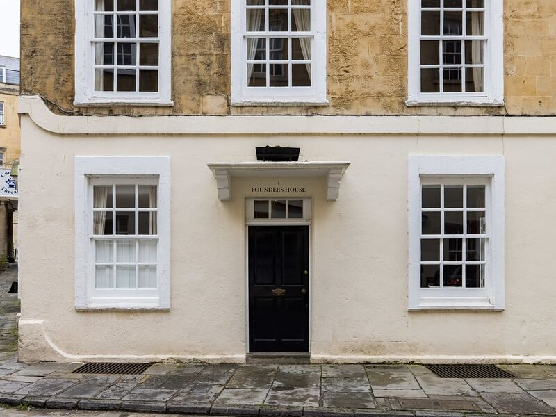 Spacious & Homely Georgian Town House Central Bath, holiday rental in Monkton Combe