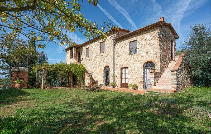 4 Zimmer Unterkunft in Venturina Terme, holiday rental in Venturina Terme