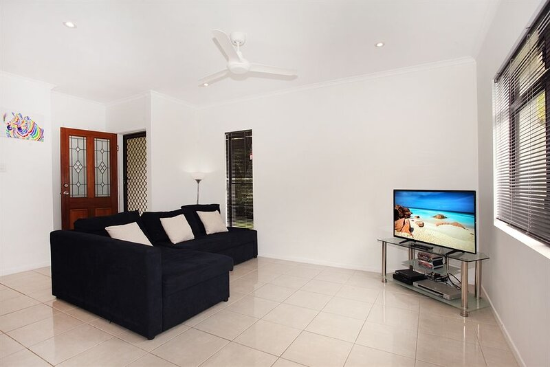 6 Petrie Ave, Marcoola Beach, holiday rental in Mount Coolum
