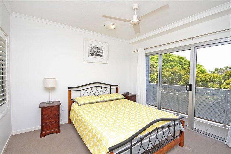 Unit 2, Sea Breeze Villas - Coolum, holiday rental in Coolum Beach