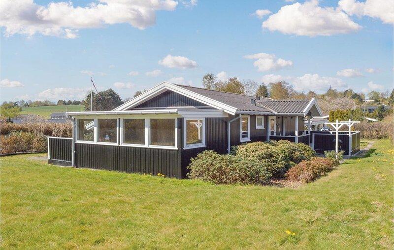 3 Zimmer Unterkunft in Vejby, holiday rental in Tisvildeleje