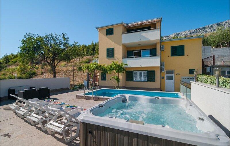 2 Zimmer Unterkunft in Solin, holiday rental in Solin
