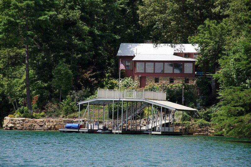 One Fine Cabin - Lake Blue Ridge, alquiler de vacaciones en Morganton