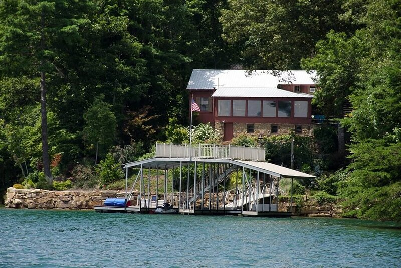 One Fine Cabin - Lake Blue Ridge, holiday rental in Morganton