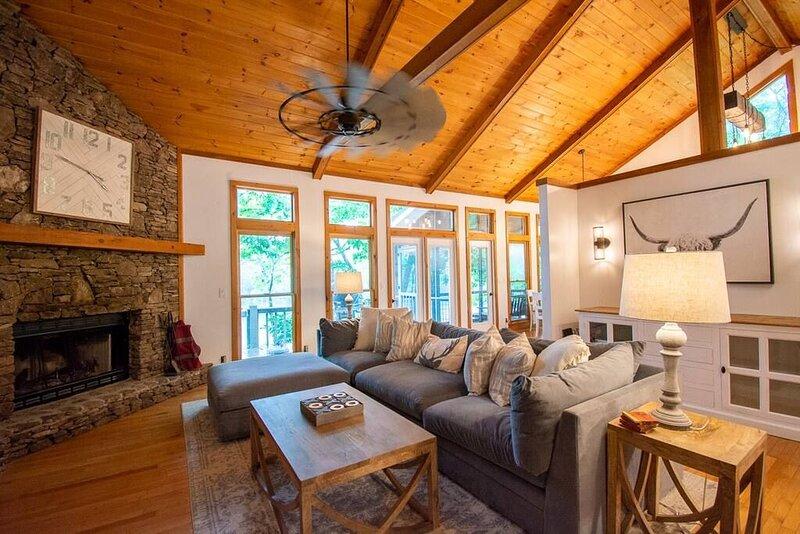 Blue Ridge Bliss - Lake Blue Ridge, holiday rental in Morganton