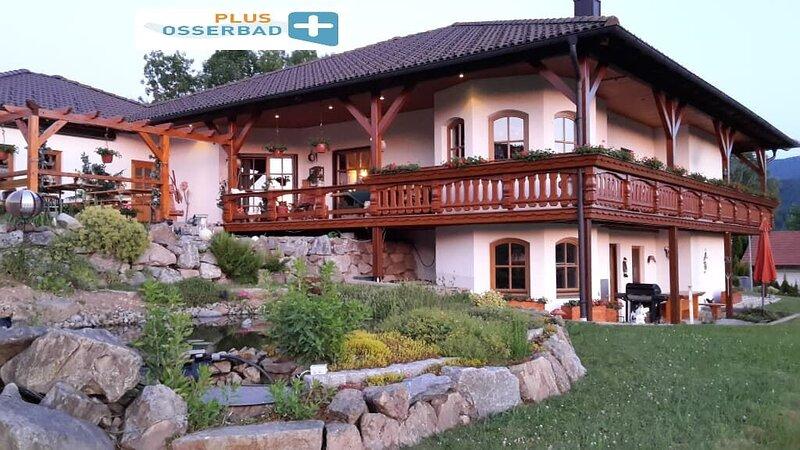 FeWo mit Terrasse und WLAN - Brötchenservice möglich, holiday rental in Klatovy