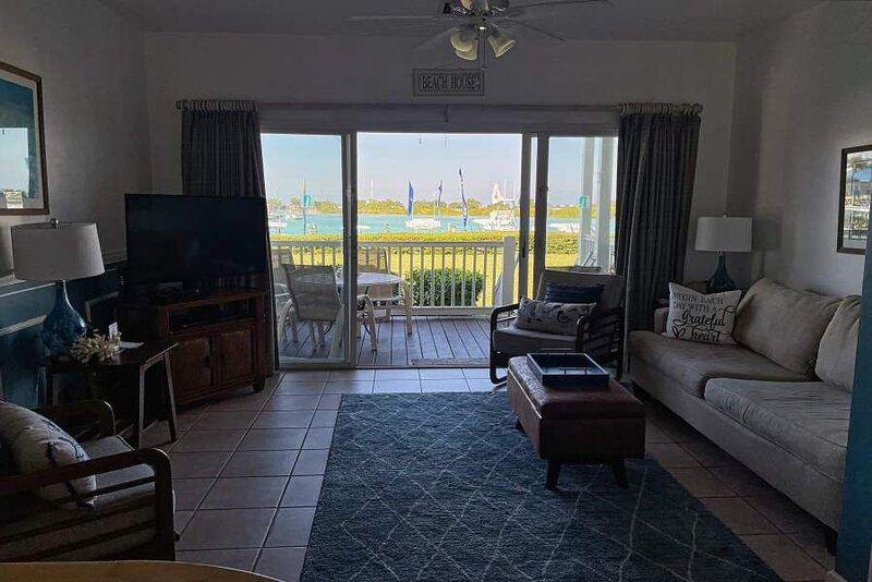 Village at Hawks Cay Villa 6009 ~ Ocean Views Abound, casa vacanza a Conch Key