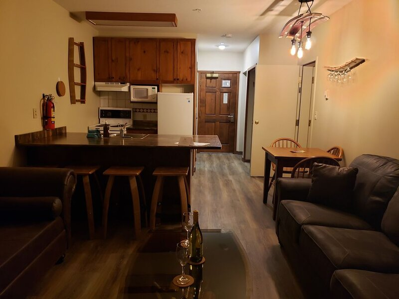 Ground floor corner suite, ski in/ski out, vacation rental in Keremeos