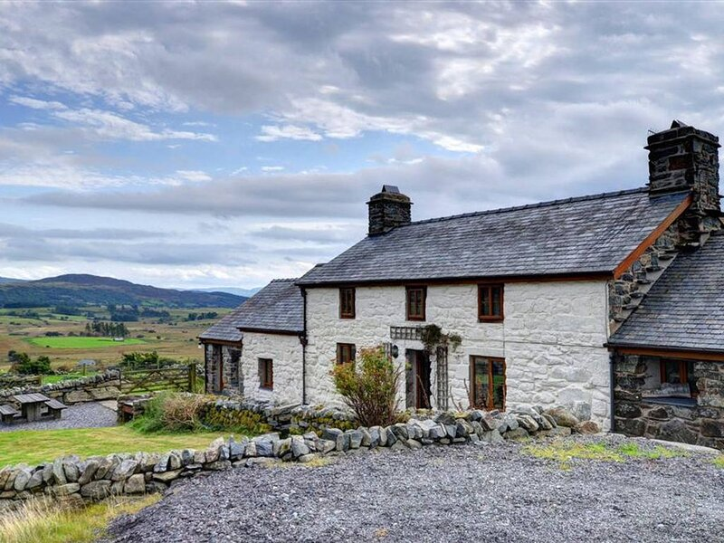A 17th century stone cottage set in a peaceful location near Trawsfynydd. The pr, holiday rental in Bronaber