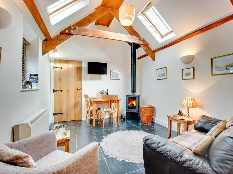 Recently refurbished and with a lovely modern kitchen and shower room, Love Cott, holiday rental in Cresselly