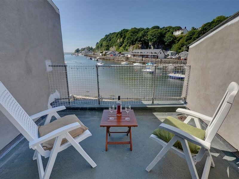 On the harbour at Porthmadog is 50 South Snowdon Wharf, a mid-terrace two storey, holiday rental in Portmeirion