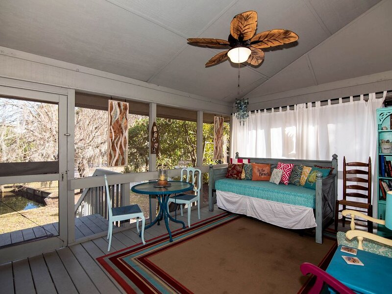 Best Place - 2BR+Loft Home With Resort Amenities & Screened Porch, vacation rental in Edisto Island