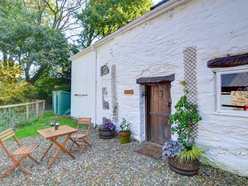 A quaint little cottage for two, with a wealth of original and traditional featu, location de vacances à Clydey