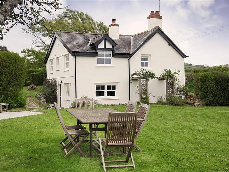 Dollars Cottage is beautiful, a fabulous detached country cottage, close to the, casa vacanza a Rhossili