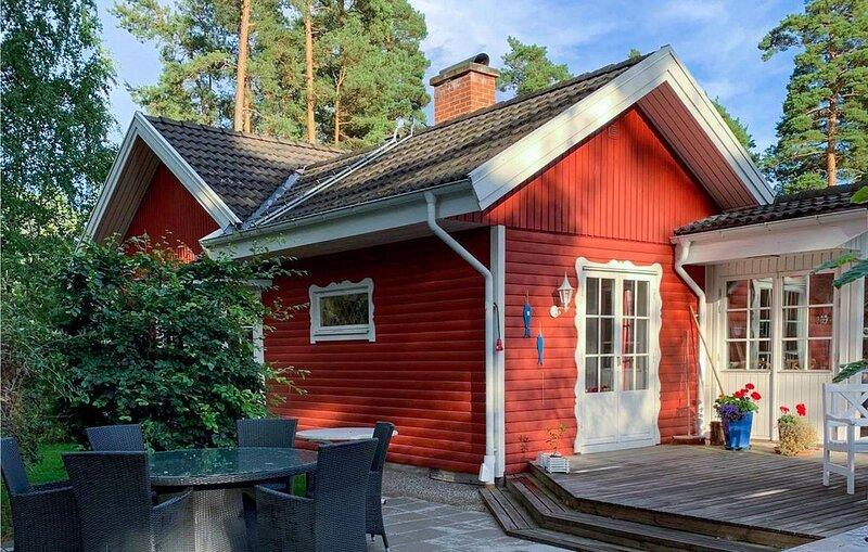 3 Zimmer Unterkunft in Degeberga, holiday rental in Lovestad