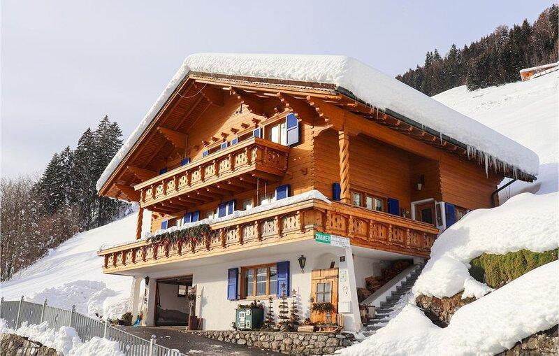 4 Zimmer Unterkunft in Sonntag, holiday rental in Fontanella