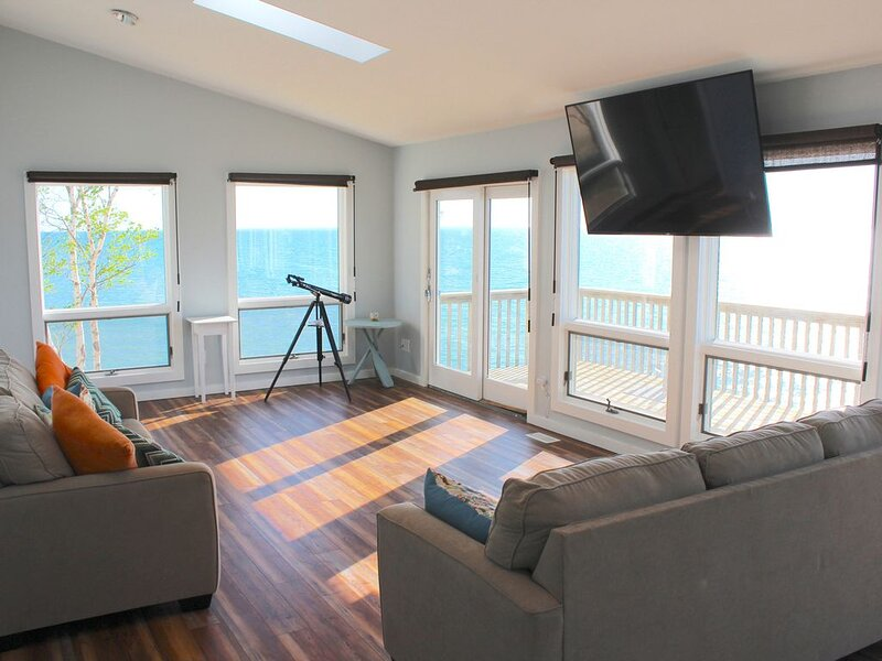 First Time Available - On Lake Michigan near Silver Lake Sand Dunes. Stunning!, holiday rental in Mears