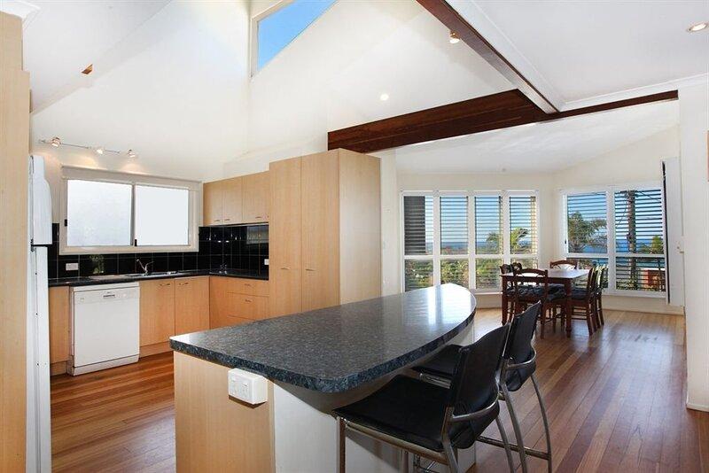 10 Barra Crescent, Coolum Beach, holiday rental in Mount Coolum
