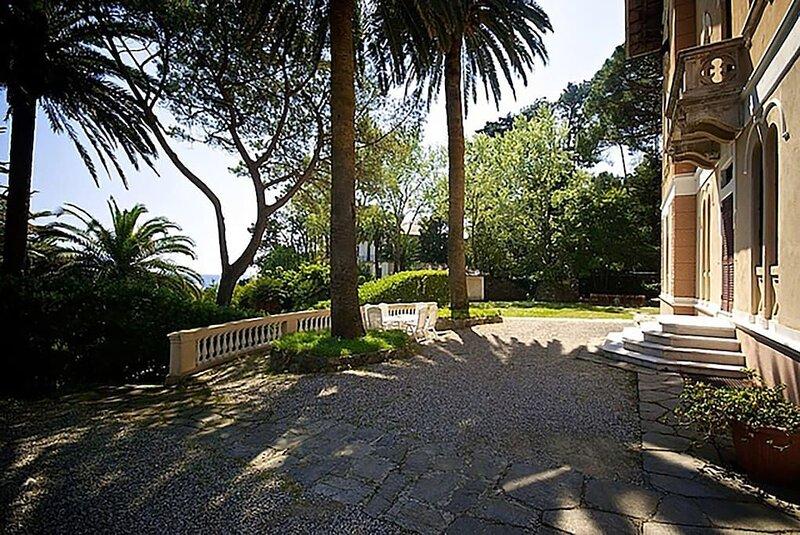 Villa Montale Appartamento I Limoni dimora storica 5 camere parcheggio, casa vacanza a Monterosso