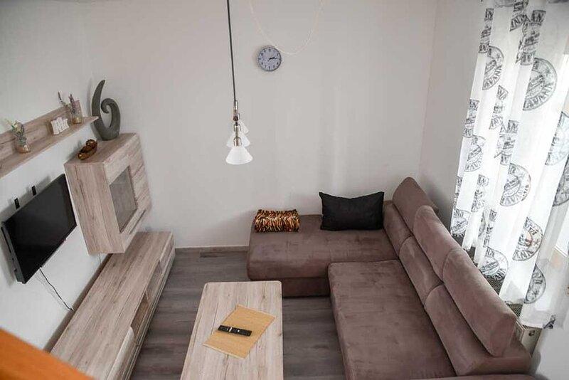 Galeriewohnung mit 4 Einzelbetten in ruhiger Lage, holiday rental in Treffelstein