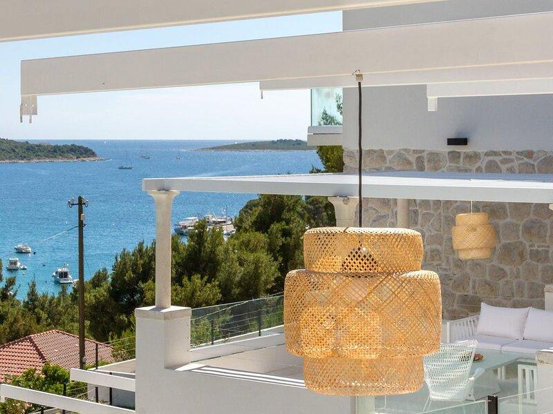 Villa Seaside Blue, 4 SZ, Kino, Spa, Pool, Internet, Fitness, holiday rental in Primosten