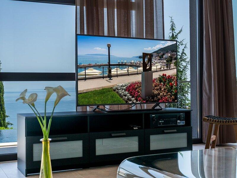 Villa Grand Vision, Moderne LuxusVilla bei Opatija mit 5 Schlafzimmern Infinity, holiday rental in Poljane