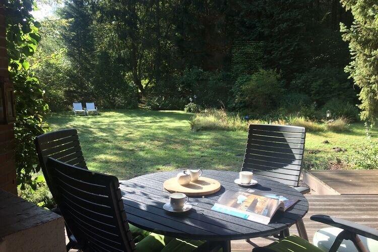 Cozy Chalet in Winsen with Garden, location de vacances à Schwarmstedt
