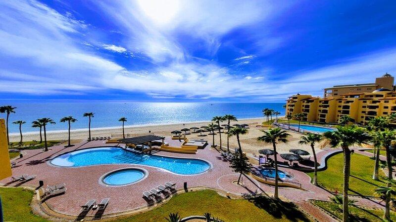 Right on the Beach! Ocean Front 2 Story Penthouse - Princesa E501, casa vacanza a Puerto Penasco