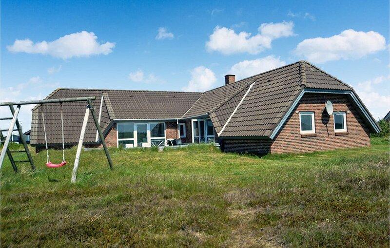 5 Zimmer Unterkunft in Hvide Sande, vacation rental in Bork Havn