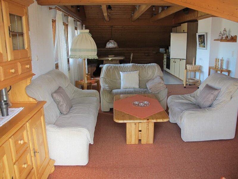 90qm große Ferienwohnung für 4 bis 6 Personen mit Sonnenterrasse, location de vacances à Neureichenau