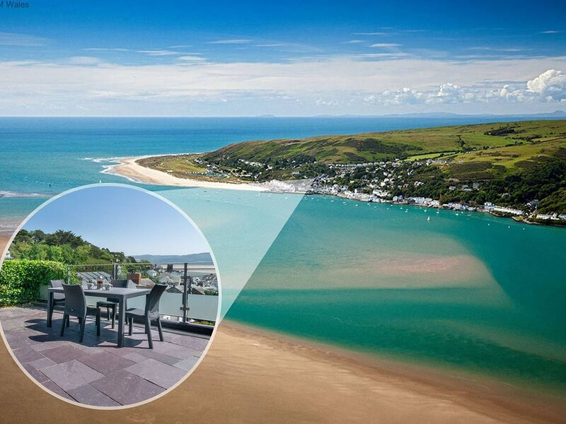This charming holiday cottage is situated just a few minutes from a stunning san, aluguéis de temporada em Aberdyfi (Aberdovey)