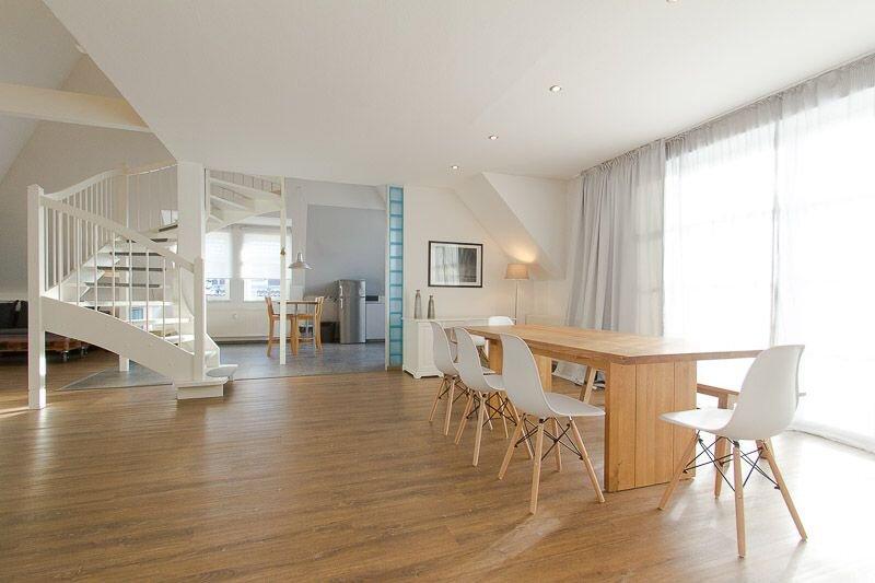 Admiralskoje, luxuriöse Maisonette-Wohnung zentral und strandnah in Warnemünde, casa vacanza a Warnemünde