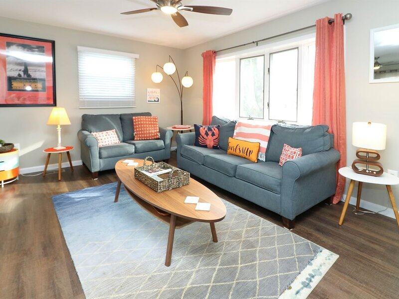 VRBO Premier Host Listing *Immaculate *A+customer service* Surfer House, holiday rental in North Cape May