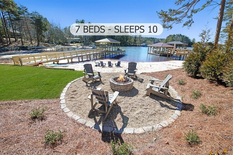 Updated Waterfront Chalet - Family Friendly with Optional Boat Rental!, holiday rental in Lake Norman