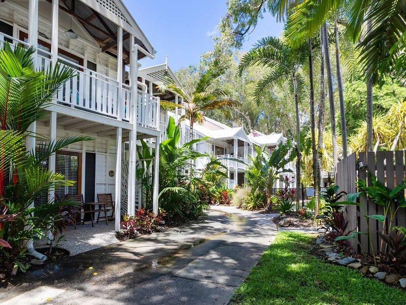 The Queenslander Fullmoon BRAND NEW KITCHEN, vacation rental in Newell Beach