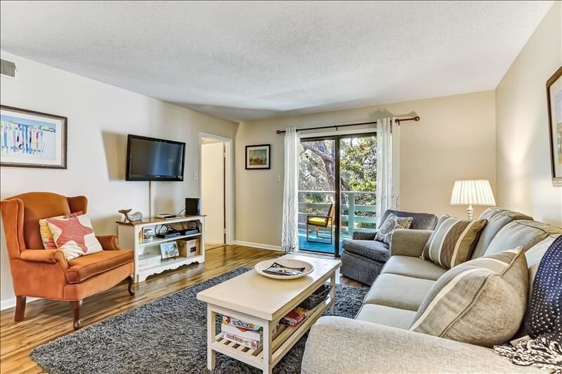 Living Room/TV