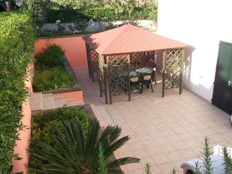 Trilocale da 4 posti letto nel comune di Portoferraio a Schiopparello, aluguéis de temporada em Portoferraio