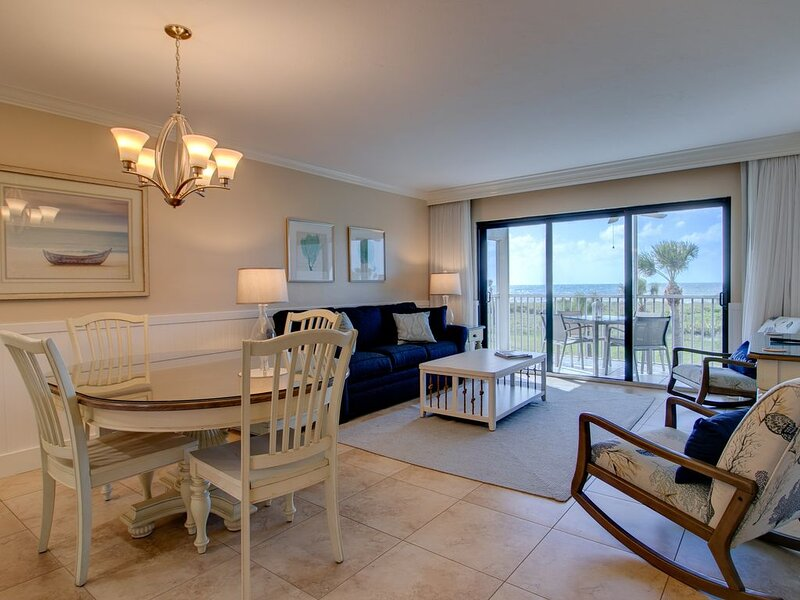South Seas Beach Villa 2426: Gulf Front Paradise Featuring Gorgeous Remodel!!, vacation rental in Saint James City
