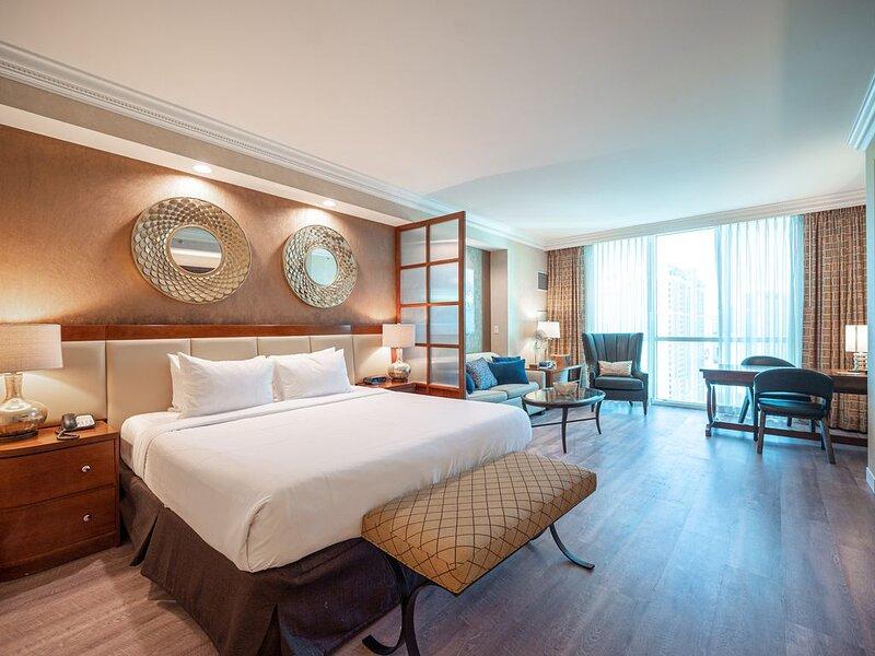StripView MGM Signature Luxury Suite - Save On Resort Fees!, alquiler de vacaciones en Las Vegas