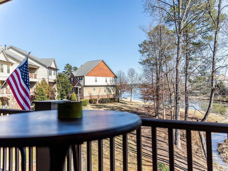 Charming Woodland Village Meets Lake Oconee, vacation rental in Eatonton