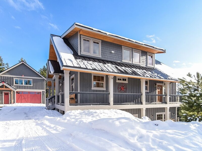 Amazing Mountain Home w/ AWESOME Views_Wrap-Around-Deck_Hot Tub_SPECIALS, vacation rental in Ronald