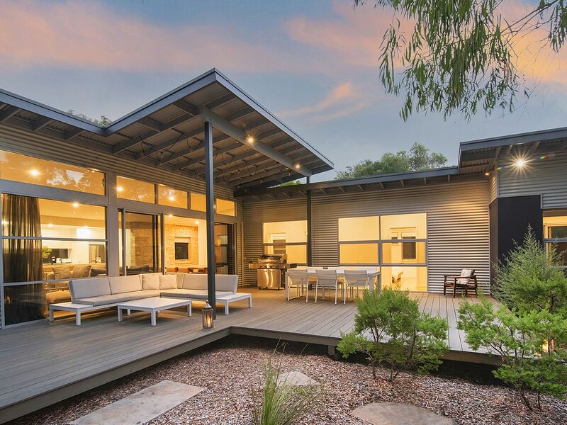 IONISE - luxury in an amazing  bush setting central to all the MR has to offer, holiday rental in Margaret River Region