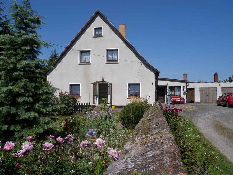 Ferienwohnung mit Terrasse, holiday rental in Lancken-Granitz