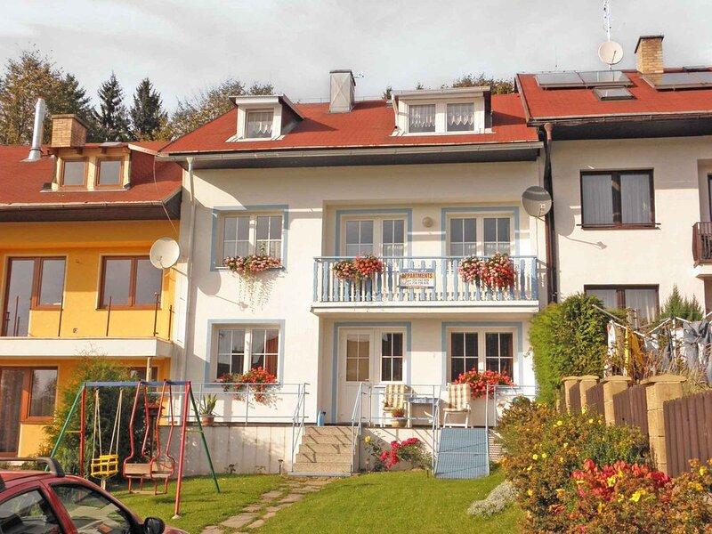Ferienwohnung mit Color-SAT-TV am Lipno-Stausee, holiday rental in Cesky Krumlov