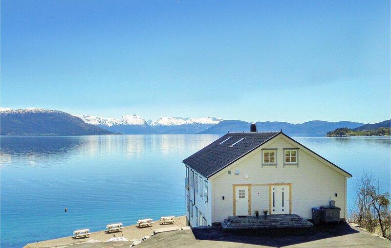 5 Zimmer Unterkunft in Strandebarm, location de vacances à Jondal Municipality
