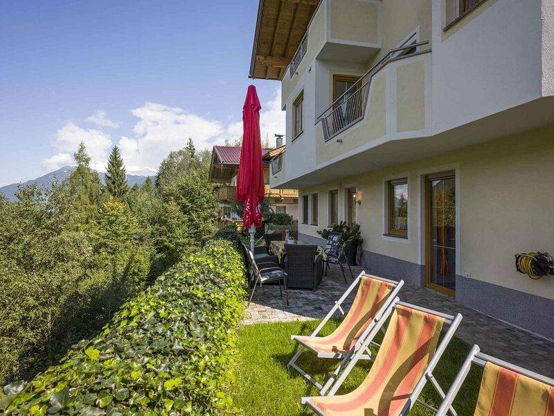 Ferienwohnung mit Bergpanorama, aluguéis de temporada em Zell im Zillertal