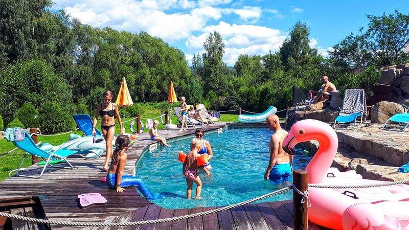 Ferienhaus mit Sauna, Whirlpool und Außenpool, holiday rental in Jachymov