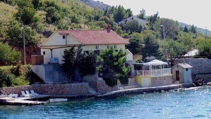 Ferienwohnung direkt an der Adria, holiday rental in Gospic